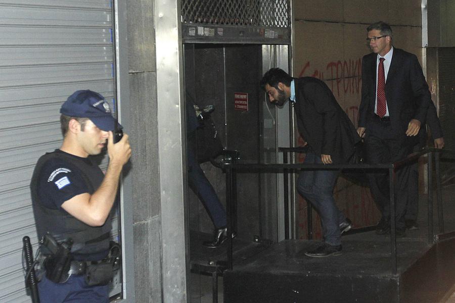 Για δύο εβδομάδες θα παραμείνει η τρόικα στην Ελλάδα