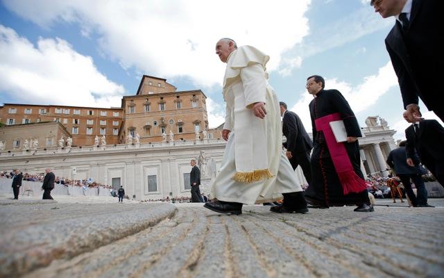 Στοιχεία «σοκ» από τον Πάπα Φραγκίσκο για τις κακοποιήσεις