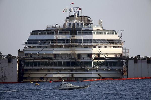 Ανατριχιαστικές φωτογραφίες: Μέσα στο Costa Concordia