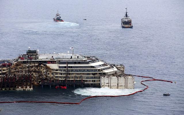 Ολοκληρώθηκε η ανύψωση του Costa Concordia