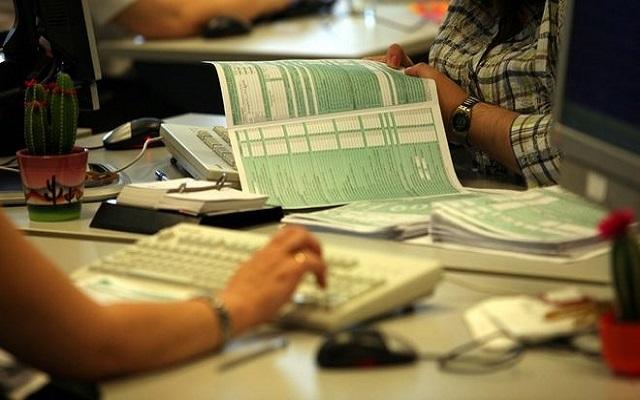 Ώρα μηδέν για τα νοικοκυριά: Φόροι 3,5 δισ. ευρώ με τα εκκαθαριστικά