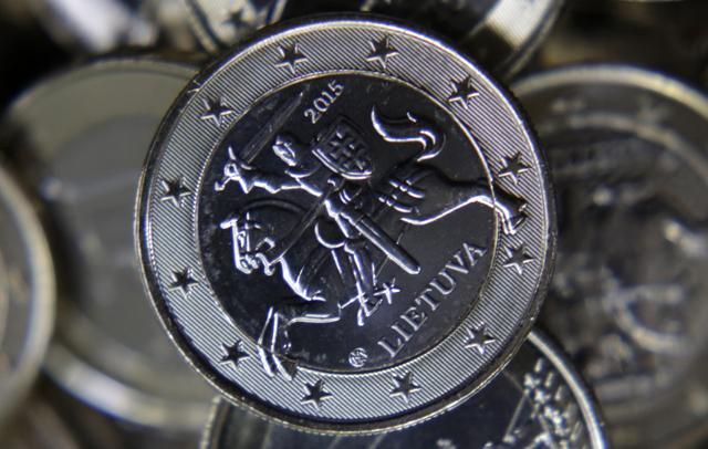 Επίσημα στο ευρώ και η Λιθουανία