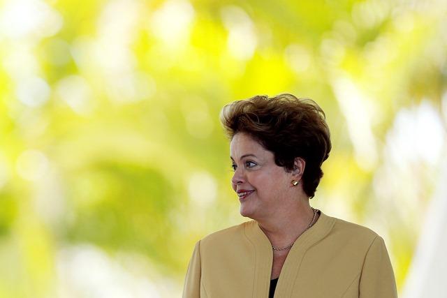 Σταθερό προβάδισμα της προέδρου Ρούσεφ στις εκλογές της Βραζιλίας