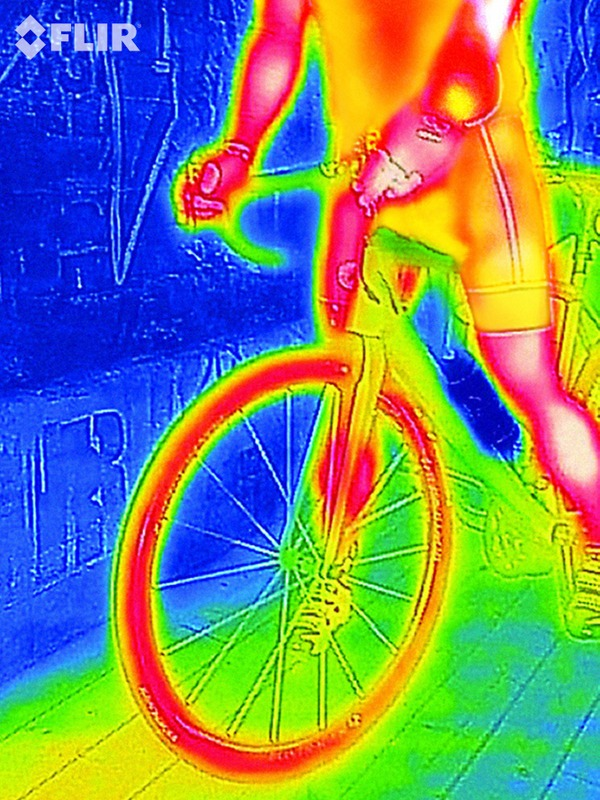 FLIRONE_Thermal_Imaging_cyclist