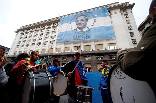 Η Αργεντινή «φλερτάρει» με τη στάση πληρωμών
