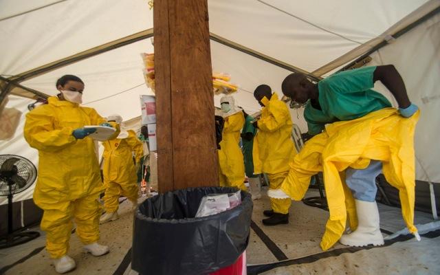Πακέτα στήριξης για τις χώρες στο «μέτωπο» του ιού Έμπολα