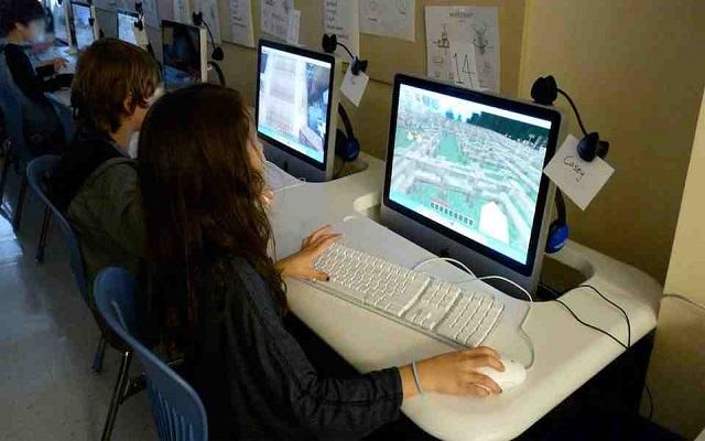 To Minecraft μπαίνει στα σχολεία