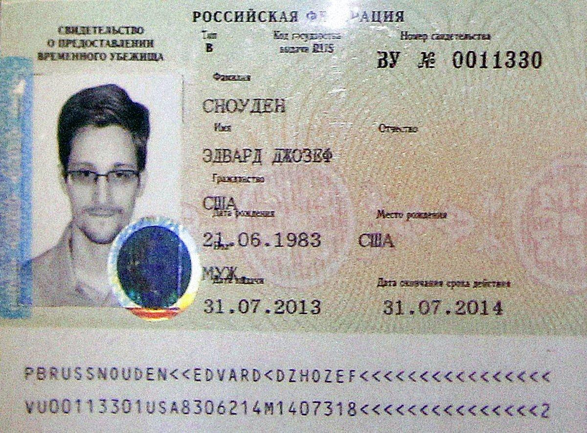 Ο Σνόουντεν εξασφάλισε τρίχρονη παραμονή στη Ρωσία
