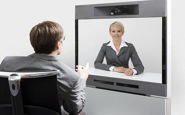 Πώς να πάτε καλά σε μια βίντεο-συνέντευξη για δουλειά