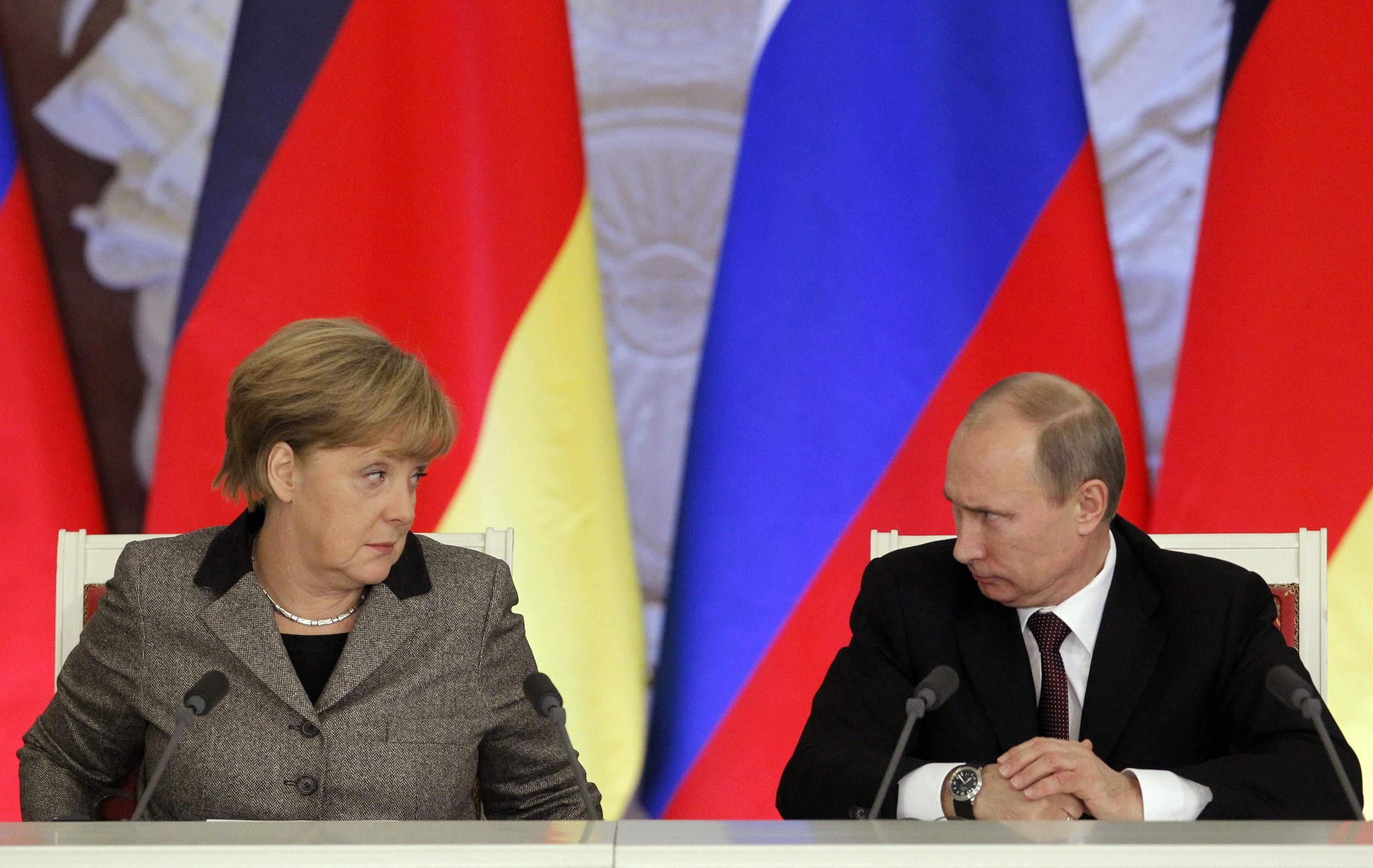 Η Μέρκελ παίρνει… τ' όπλο της κατά του Πούτιν