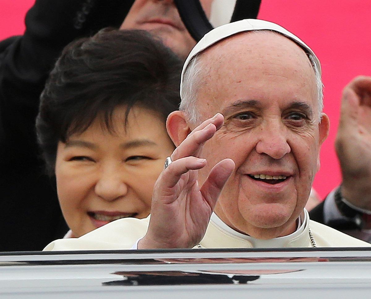 Ο Πάπας Φραγκίσκος θέλει να «ενώσει» Βόρεια και Νότια Κορέα