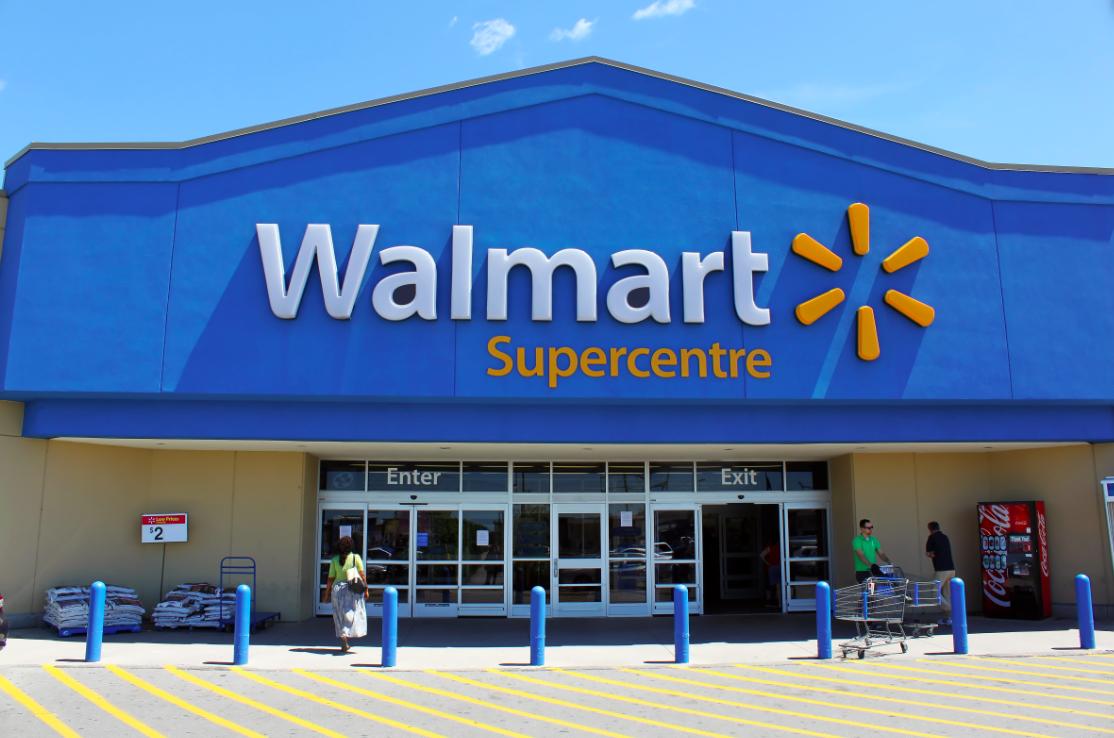 Η Walmart «σπάει τα ταμεία» για να κατακτήσει την αγορά της Ινδίας
