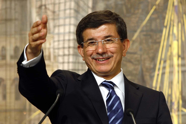 Φαβορί ο Νταβούτογλου για την πρωθυπουργία της Τουρκίας