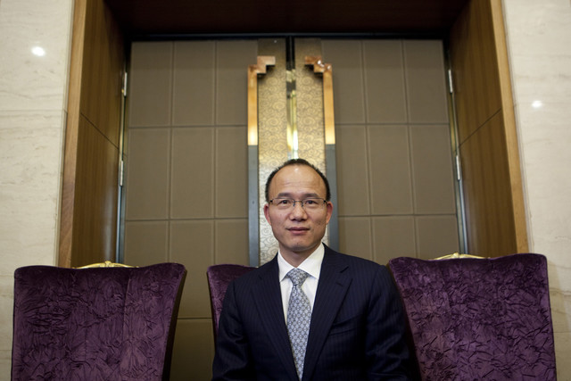 Ο Κινέζος μεγαλοεπενδυτής που θέλει να φτάσει τον Γουόρεν Μπάφετ