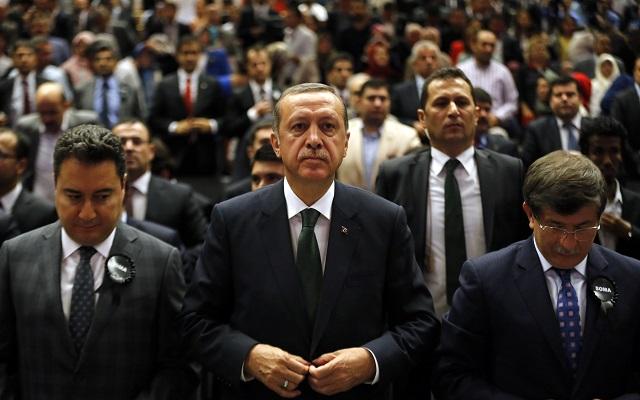 Πυρετώδεις διεργασίες για την αλλαγή «σκυτάλης» στην τουρκική ηγεσία