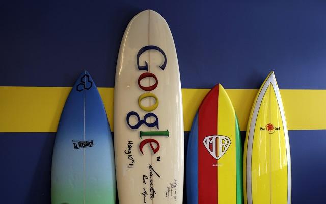 Τότε και τώρα: H Google παραμένει μια αντισυμβατική εταιρεία