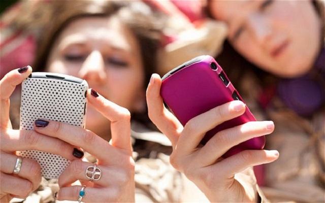 Μια εφαρμογή που «μπλοκάρει» τα κινητά των παιδιών σας