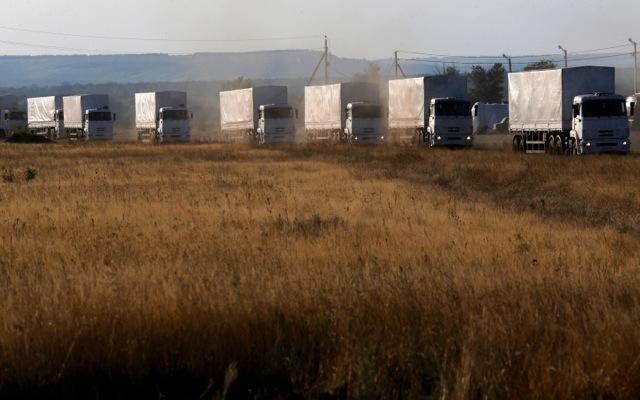 Διασχίζει τα ουκρανικά σύνορα η ρωσική αυτοκινητοπομπή