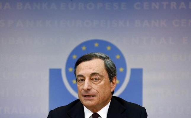 Όλα τα «όπλα» της ΕΚΤ κατά του αποπληθωρισμού ρίχνει ο Ντράγκι