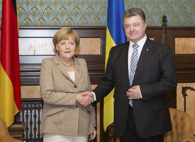 Ειρηνευτικό σχέδιο για την Ουκρανία ζητά η Μέρκελ