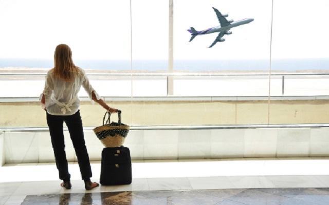 Όλα όσα δεν πρέπει να κάνετε κατά τη διάρκεια της αεροπορικής πτήσης