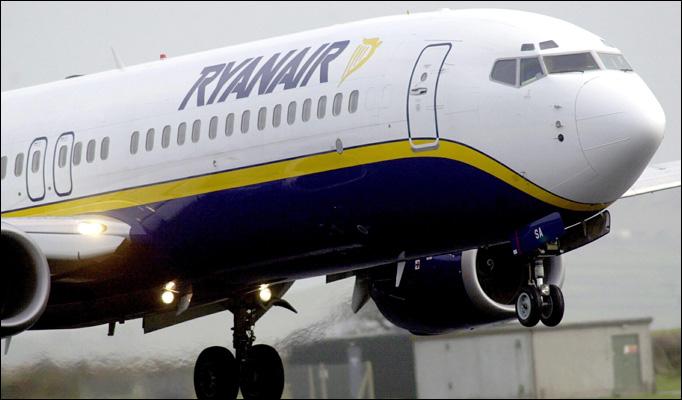 Η Ryanair αγοράζει 100 αεροπλάνα από την Boeing