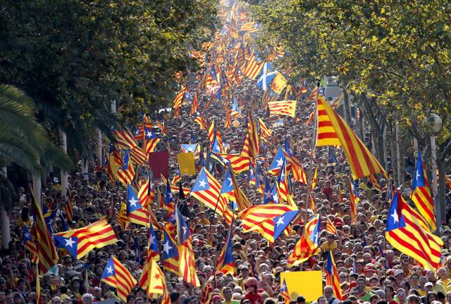 Δύο εκατ. Καταλανοί διαδήλωσαν υπέρ της ανεξαρτησίας τους