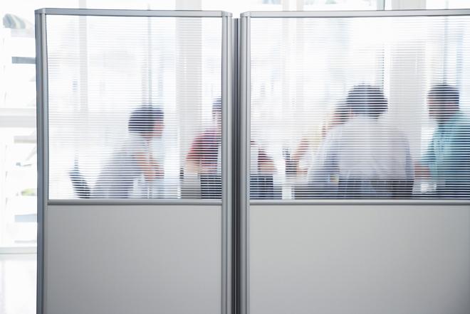 Κλίκες και συμμαχίες στο γραφείο: Οδηγός επιβίωσης
