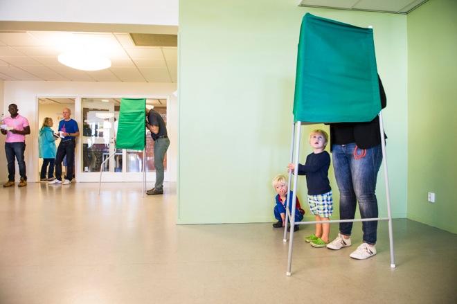 Από το περιθώριο σε τρίτη πολιτική δύναμη της Σουηδίας η άκρα δεξιά