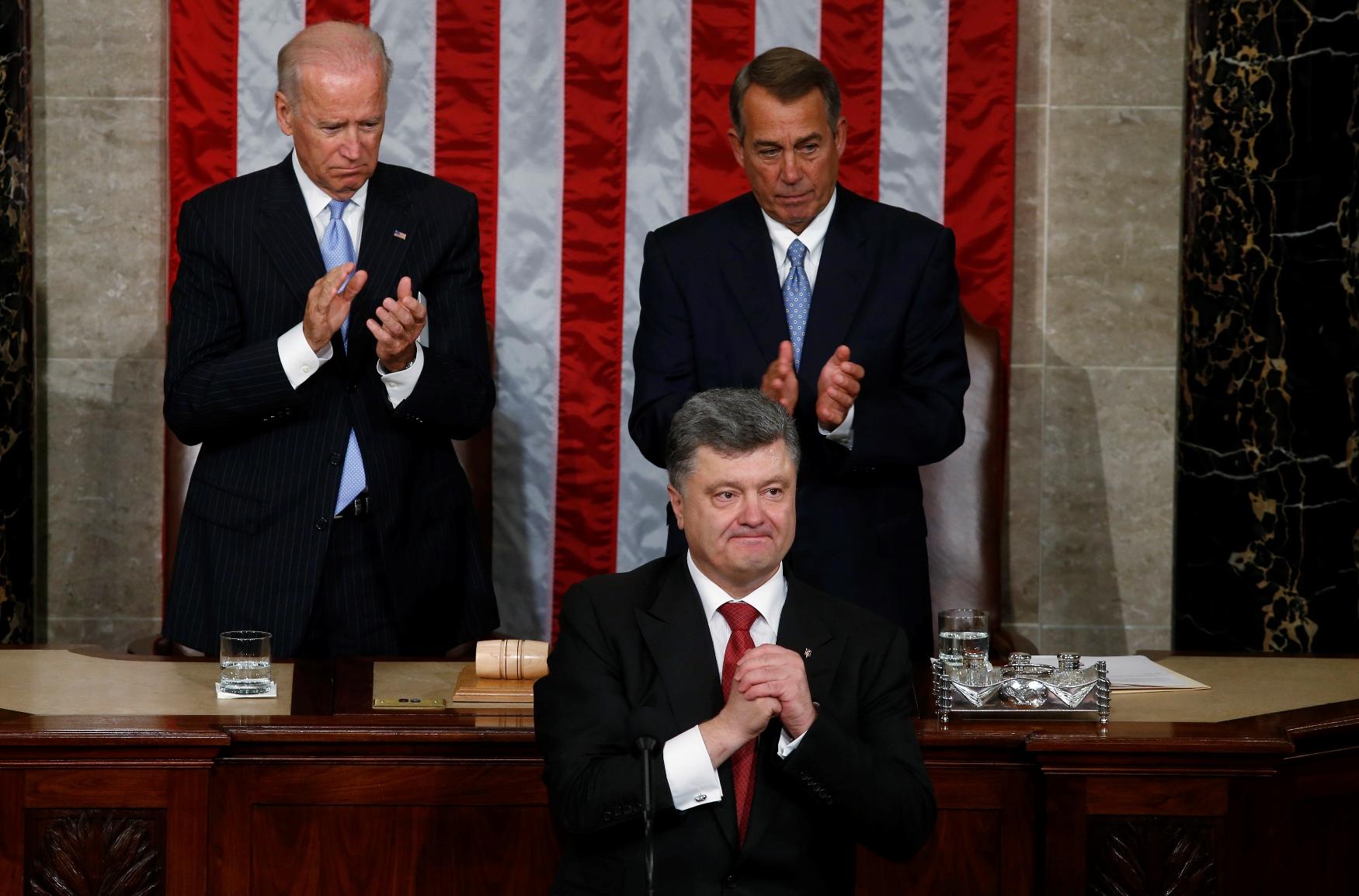 Το Κίεβο στις αγορές με την εγγύηση των ΗΠΑ