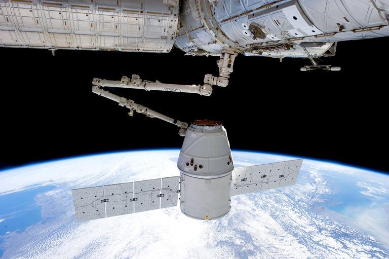 Το διαστημικό σκάφος Dragon ξεκίνησε το «ταξίδι» του