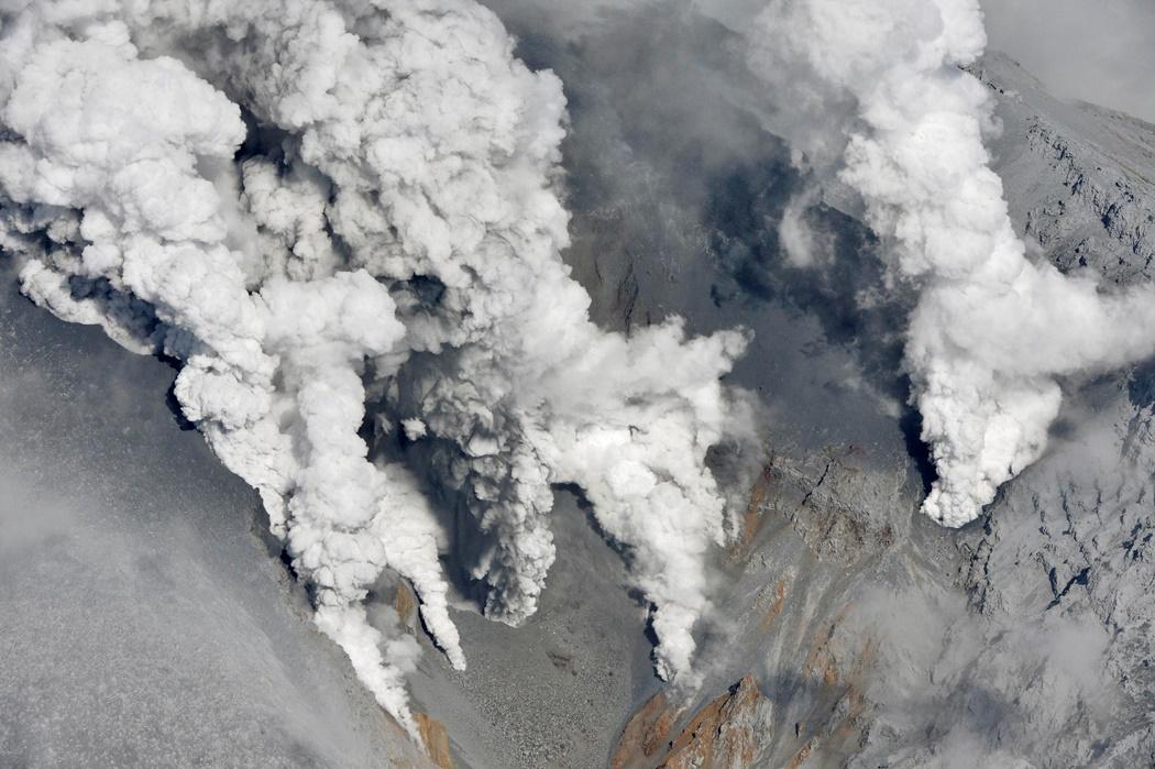 Αυξάνεται ο αριθμός των νεκρών στο ηφαίστειο «Οντάκε»