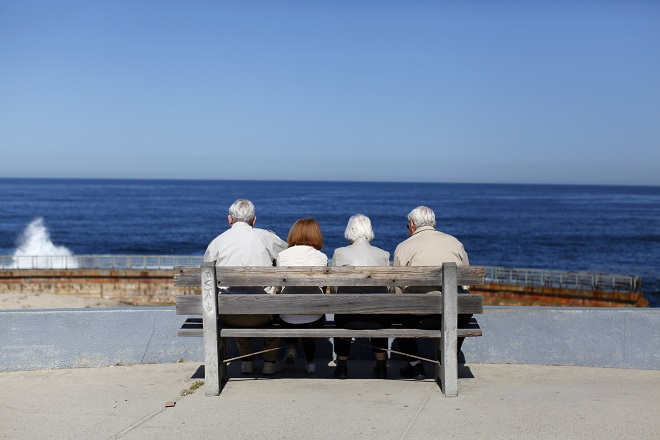 Οι μισοί ηλικιωμένοι στον κόσμο δεν παίρνουν σύνταξη