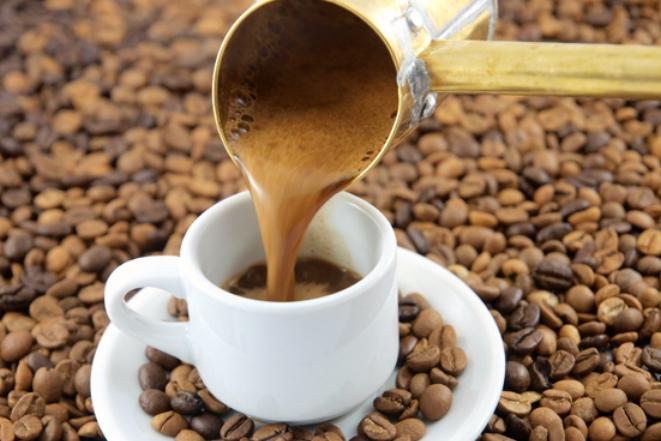 Έκαστος στο είδος του…και οι Έλληνες στους καφέδες