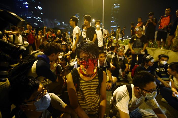 Αποδέχτηκαν την πρόσκληση του κυβερνήτη του Χονγκ Χονγκ οι διαδηλωτές