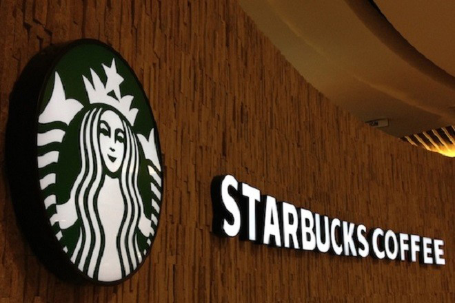 Τα Starbucks στέλνουν στο πανεπιστήμιο 4.000 εργαζομένους