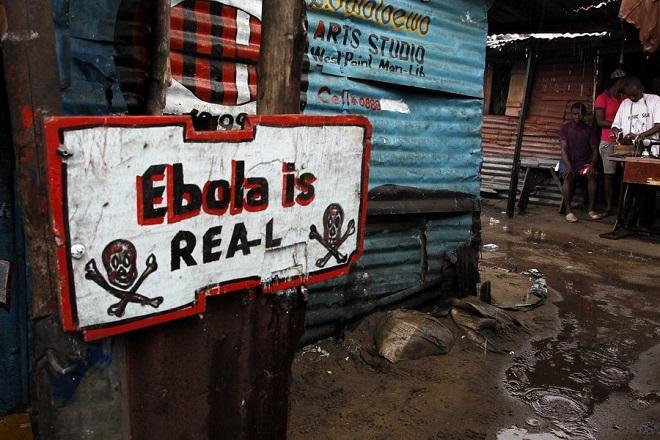 Πλησιάζουν τους 8.000 οι νεκροί από την εξάπλωση της επιδημίας Έμπολα