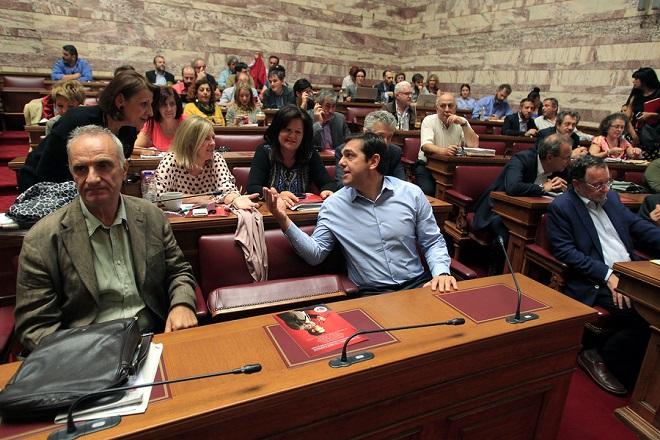 Προς «σκληρή» αντιπαράθεση με την κυβέρνηση κατευθύνεται ο ΣΥΡΙΖΑ