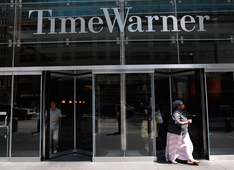 Σε περικοπές προχωρά η Time Warner