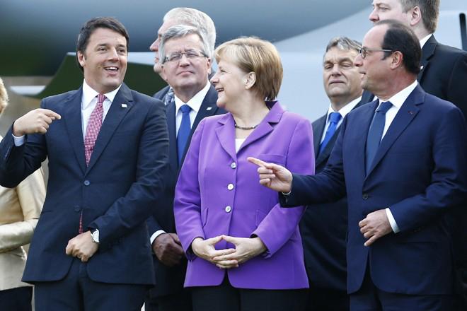 Σύνοδος κορυφής για την απασχόληση με βαθιές ιδεολογικές συγκρούσεις