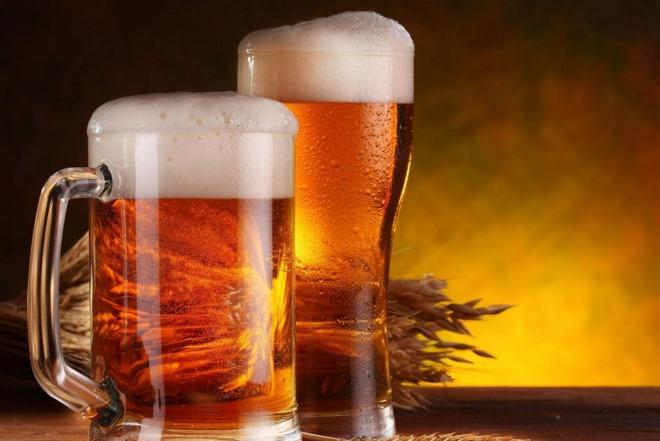 «Φόρο μπύρας» υπέρ των δήμων φέρνει το υπουργείο Εσωτερικών