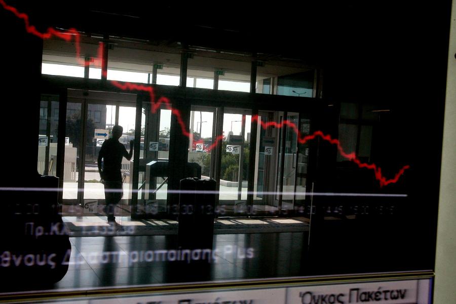 Το σφυροκόπημα στο Χρηματιστήριο συνεχίζεται: Σε τρεις συνεδριάσεις χάθηκαν 3,1 δισ. ευρώ