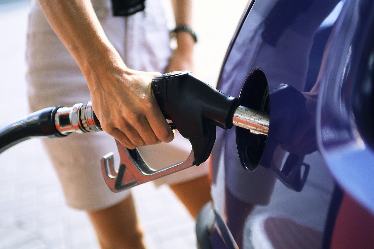 Για πρώτη φορά έπειτα από το 2009 αυξήθηκε η κατανάλωση καυσίμων