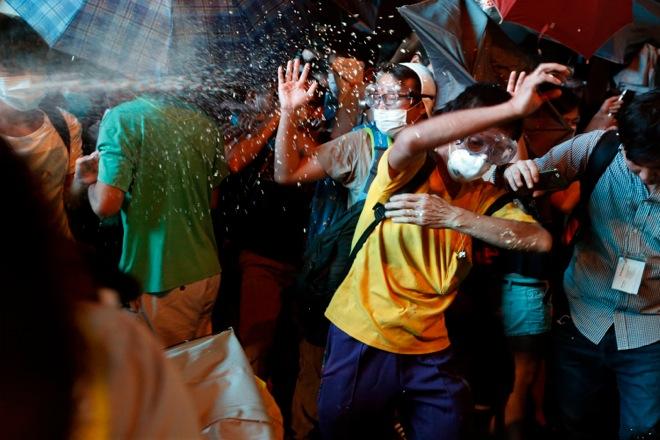 Συλλήψεις και ταραχές τη νύχτα στο Χονγκ Κονγκ