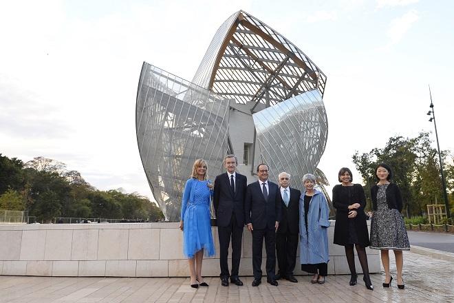 Εγκαίνια για το Ίδρυμα Τεχνών της Louis Vuitton στο Παρίσι