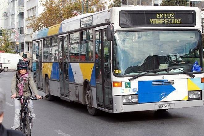 Έντεκα τραυματίες μετά από σύγκρουση λεωφορείων στο Αιγάλεω
