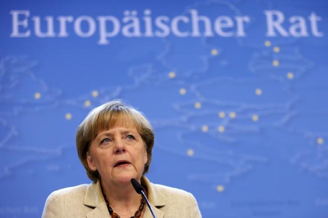 «Μετωπική» Μέρκελ-Κάμερον για την ελεύθερη μετακίνηση εντός ΕΕ