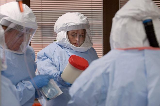 Ξεπέρασαν τα 10.000 τα κρούσματα Έμπολα