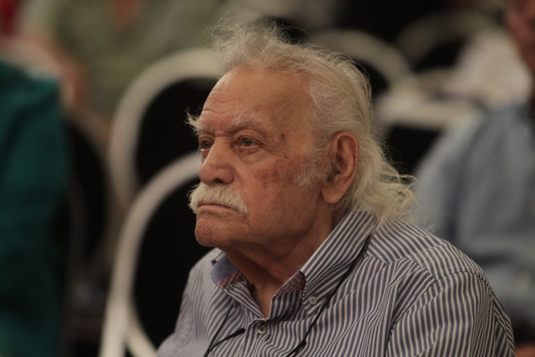 Γλέζος στον «Observer»: Παραλίγο να σκοτώσω τον Τσόρτσιλ στην Αθήνα