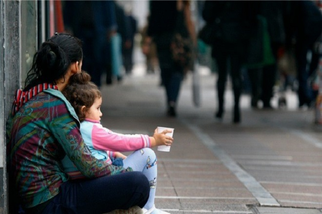 ΟΟΣΑ: Ένα στα επτά παιδιά ζουν στη φτώχεια